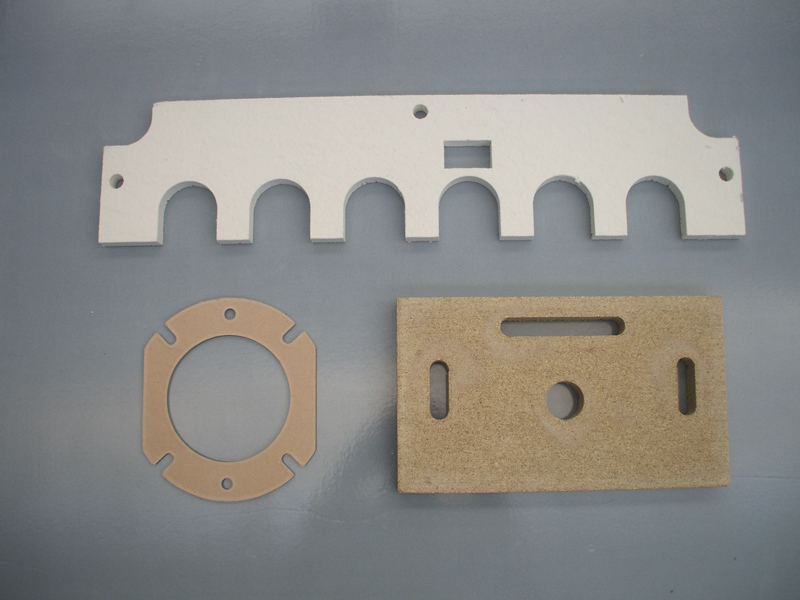Gaskets in thermal insulating material